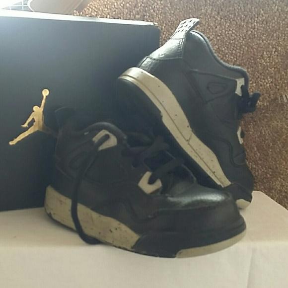 low priced 2ae60 9fc98 Nike Jordan 4 retro
